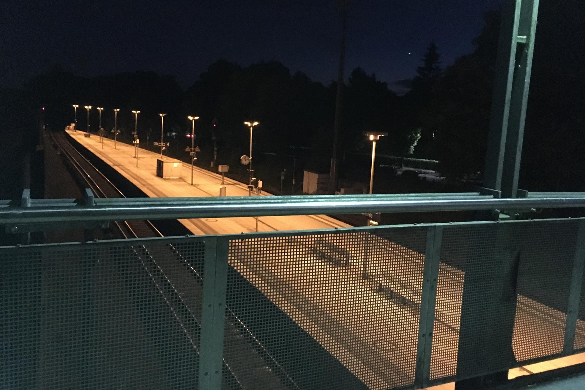 Bahnhof Aumühle im Dunkeln